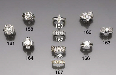 A diamond six stone dress ring
