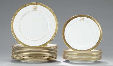 A SET OF TWELVE LENOX DINNER P