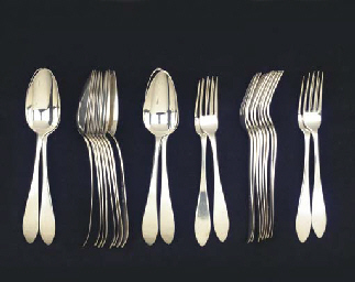 (24)  A set of twelve table fo
