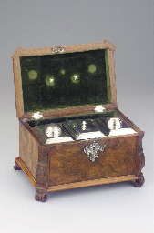 A Dutch root-wood casket with