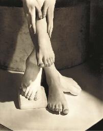 Barefoot Beauty, New York, 194