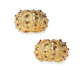 A PAIR OF GOLD-PLATED SILVER A