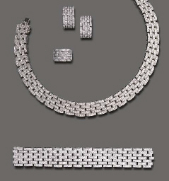 A SUITE OF DIAMOND JEWLERY