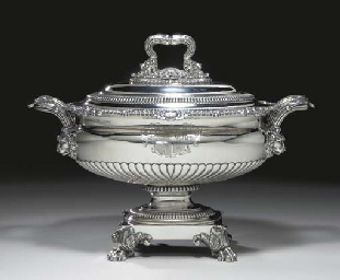A REGENCY SILVER SOUP TUREEN