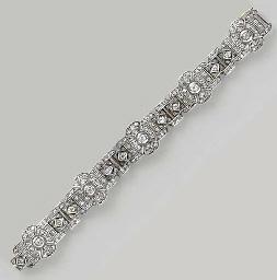 A DIAMOND AND SILVER BRACELET