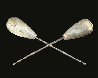 A PAIR OF ROMAN SILVER SPOONS
