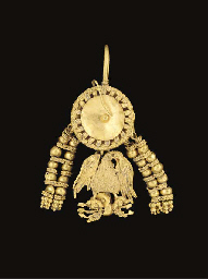 A FINE HELLENISTIC GOLD EARRIN