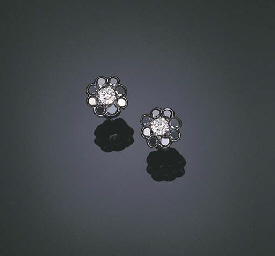 A PAIR OF DIAMOND AND BLACK DI