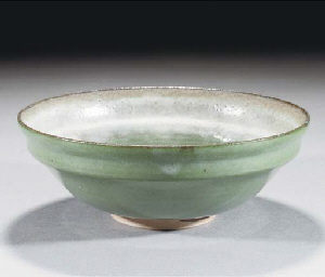 A GLAZED STONEWARE BOWL