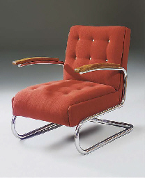 A CANTILEVER LOUNGE CHAIR
