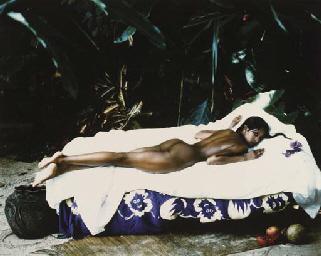 Naomi Campbell allongé