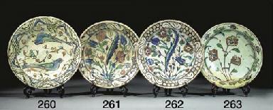 An Iznik pottery dish, 17th ce