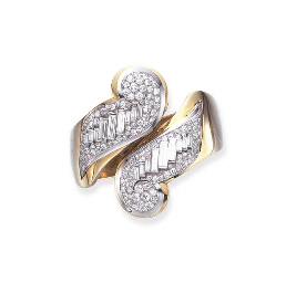 A PAIR OF ART DECO DIAMOND CLI