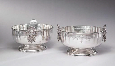 A PAIR OF GEORGE V SILVER PUNC