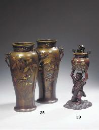 A bronze koro