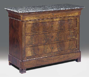 A FRENCH MAHOGANY COMMODE