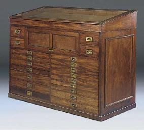A Victorian mahogany artists'