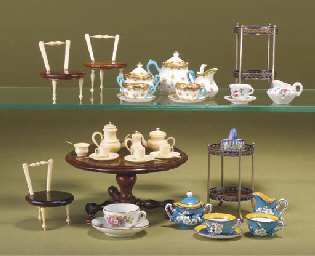 Miniature furniture and tea se