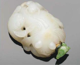 A Chinese white jade snuff bot