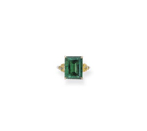 AN EMERALD AND YELLOW DIAMOND