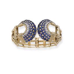 A SAPPHIRE AND DIAMOND BANGLE,