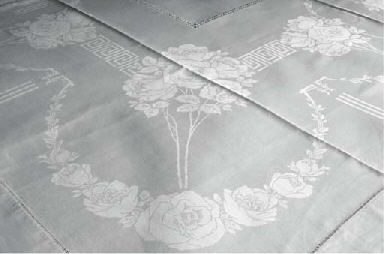 A FINE AND LARGE DAMASK LINNEN