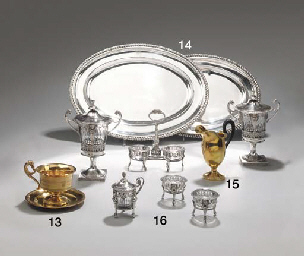 GARNITURE DE TABLE EN ARGENT E