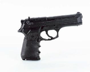 TOM CRUISE PROP GUN FROM