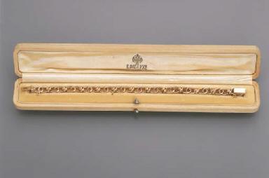 A GOLD BRACELET, BY FABERGE