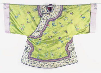 AN INFORMAL ROBE OF APPLE GREE