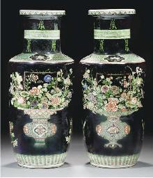 A pair of famille verte noire