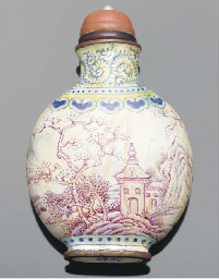 A painted enamel snuff bottle,