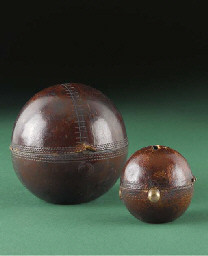 BALL-SHAPED INKWELL AND TAPEME