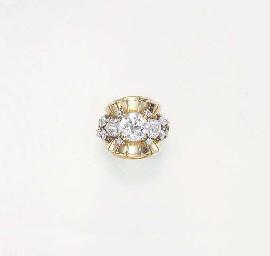 A RETRO DIAMOND RING, BY VAN C