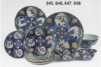 (3) A pair of Dutch Delft poly