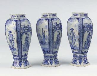 (3) A set of three Frisian Del