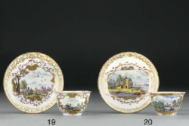 A Meissen hunting teabowl and