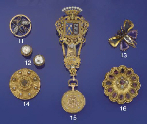 A late 19th century bee brooch