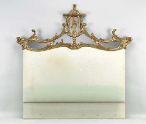 A GEORGE III STYLE CARVED GILT