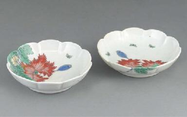 A pair of Japanese Kakiemon sa