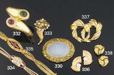 A gem ring and brooch by Peter