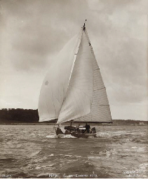 Nyse racing from Cowes to Dina