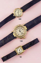 A LADY'S 18K GOLD WRISTWATCH,