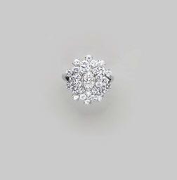 A DIAMOND AND PLATINUM RING, B