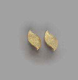 A PAIR OF 18K GOLD CUFF LINKS,