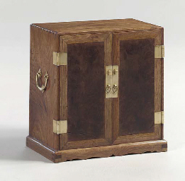 A HUANGHUALI AND HUAMU CHEST,