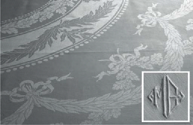 (5) A set of four damask linen