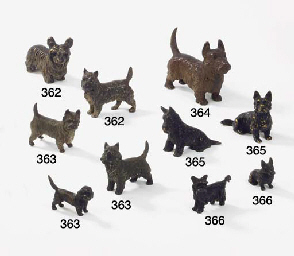 LOT DE DEUX SCOTTISH TERRIER