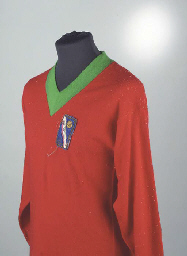 A RED AND GREEN WOOLLEN ITALIA
