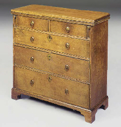 AN OAK BACHELOR'S CHEST